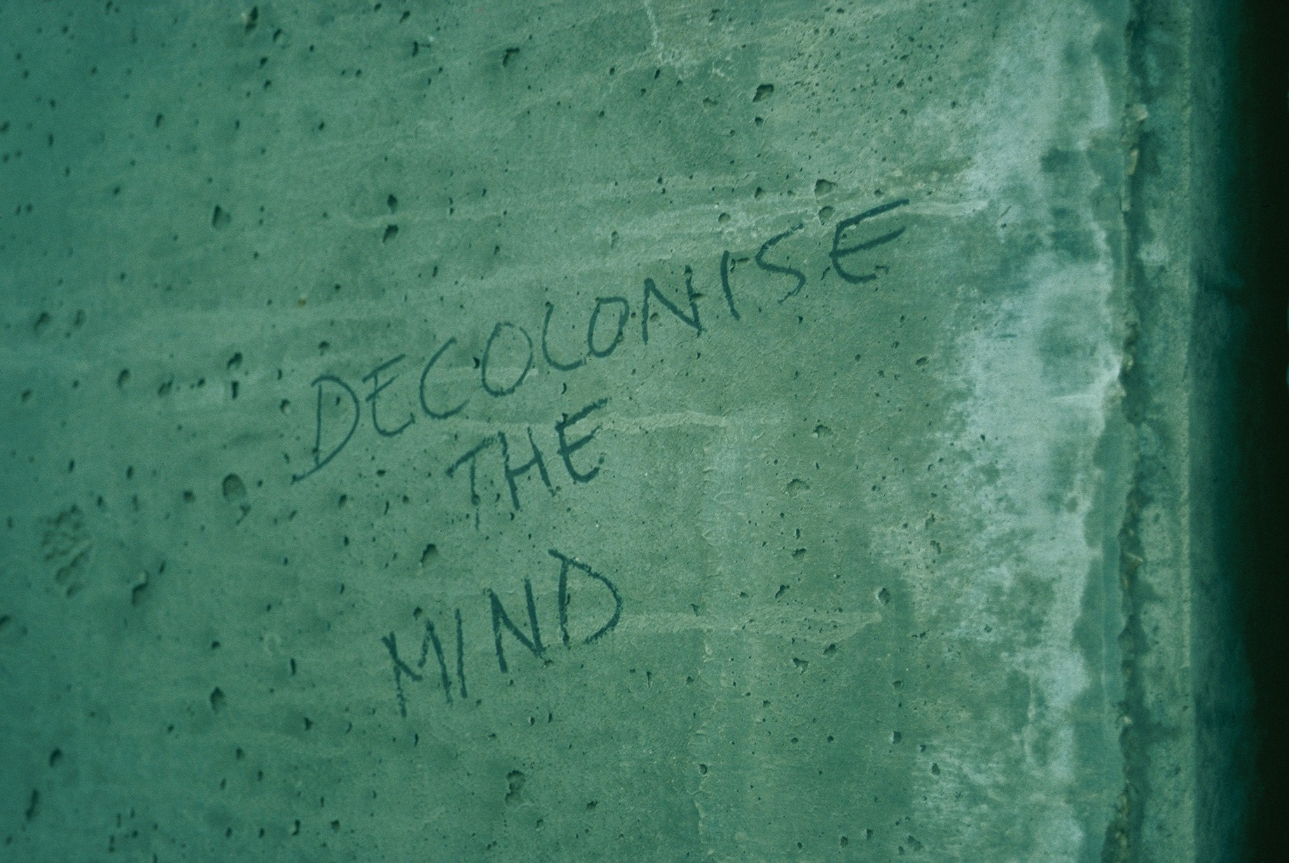 San Pedro V The Wall. DECOLONIZE THE MIND